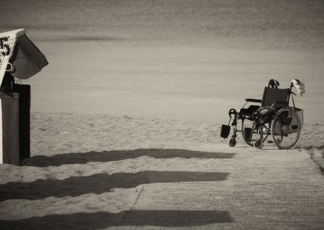 wheelchair-1327822_1280.jpg